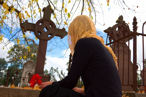 Understanding how to plan a funeral can help things go more smoothly during an emotional time.