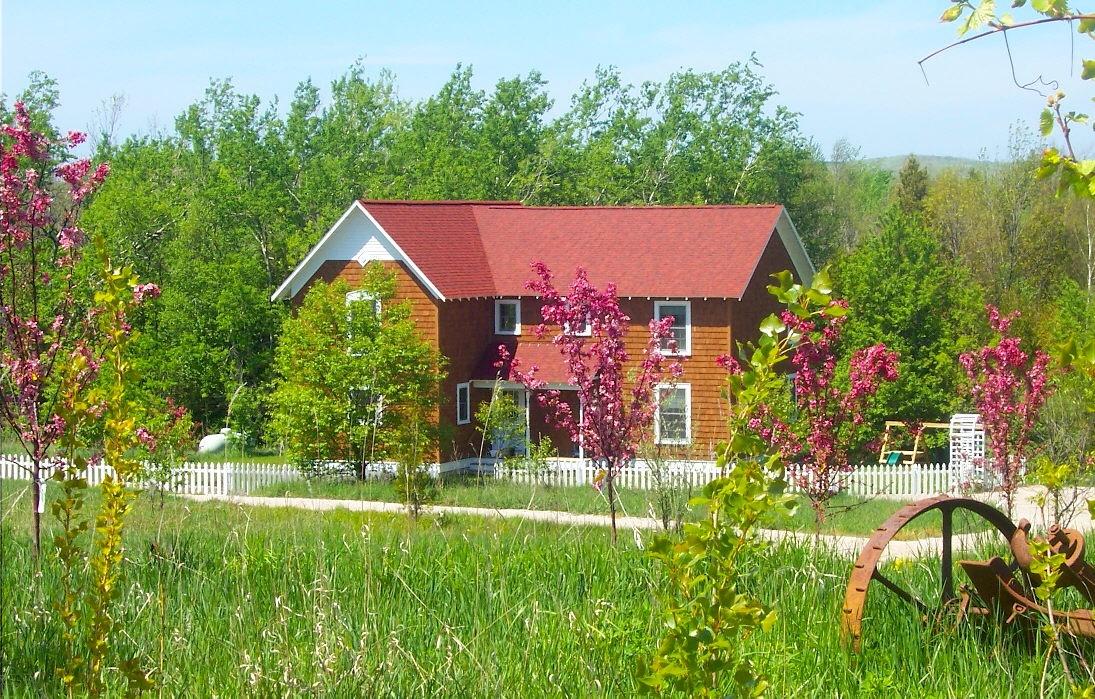 Farm House Cottage Vacation Rentals, Arcadia MI