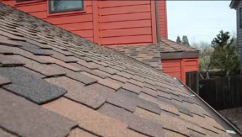 commercial roofing installer