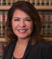 Linda Bosquez Headshot