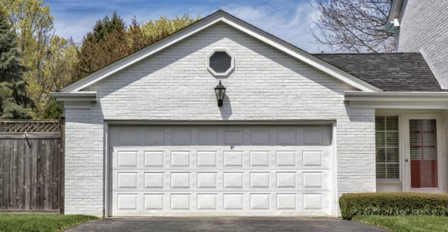 Garage door company in San Antonio