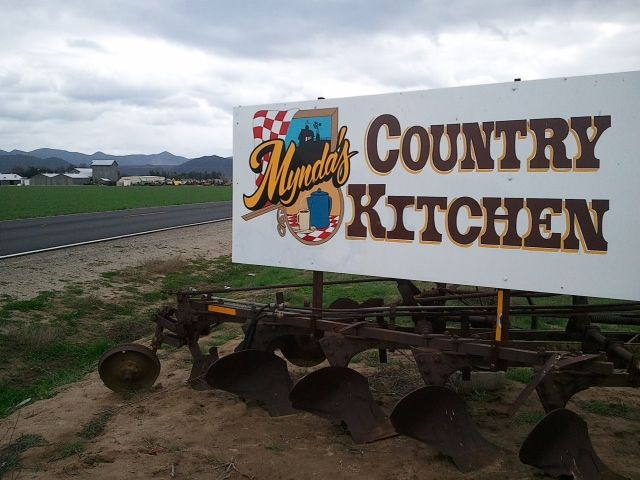 Mynda's Country Kitchen, Hemet CA