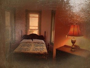 Haunted Castle House B&B, Brumley MO
