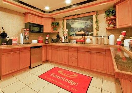 Econo Lodge At The Falls North, Niagara Falls NY
