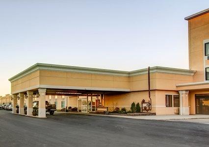 Comfort Inn & Suites, Triadelphia WV
