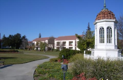 Khan, Shaista Y, MD - Menlo Park, CA