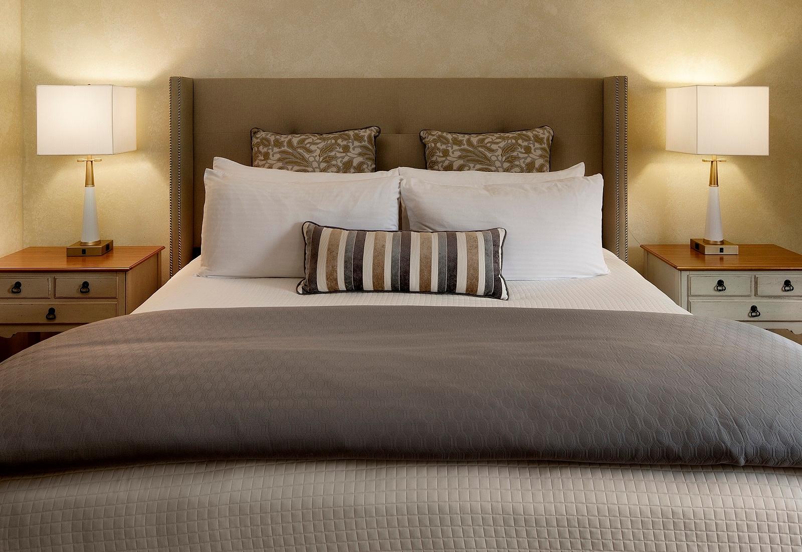 Pelican Inn & Suites, Cambria CA