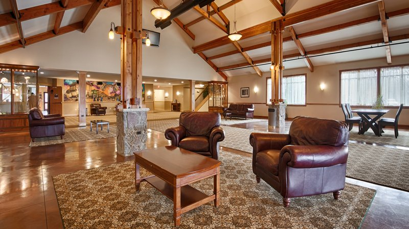 Timber Creek Inn and Suites & Convention Center, Sandwich IL