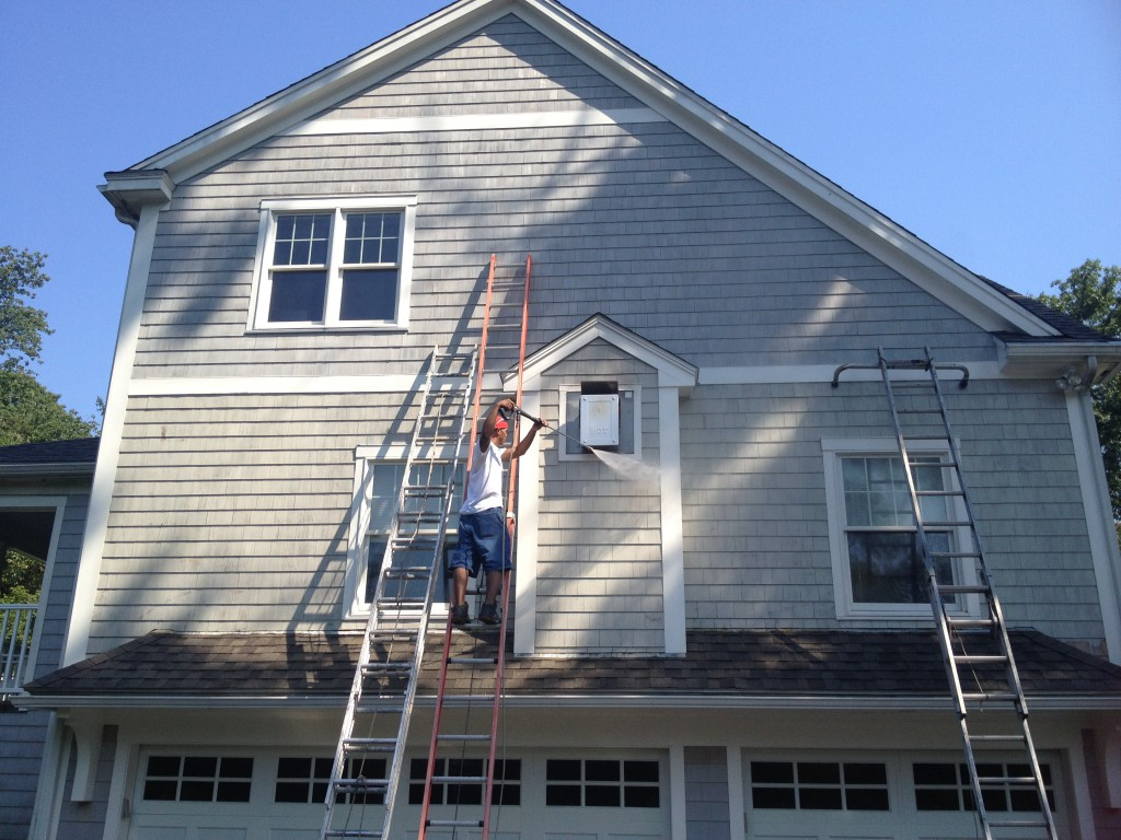 Image gallery house painting crew for Exterior painting