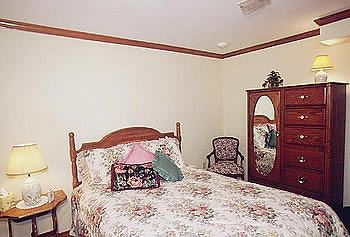 Red Bud Cove Bed & Breakfast, Hollister MO