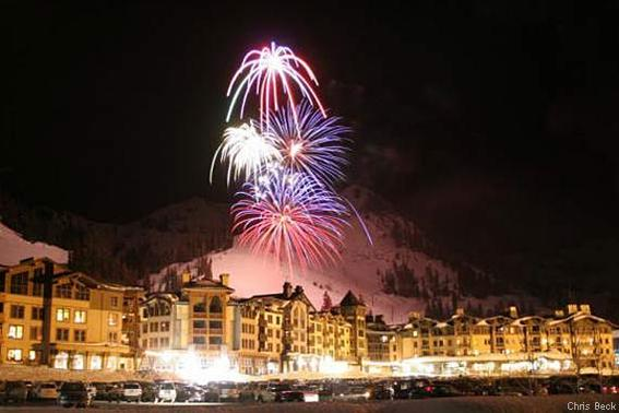 570-380-squaw-valley-villagefireworks_chris-beck