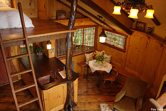 570-380-heidi-treehouse-dining