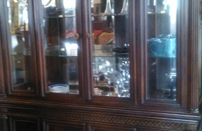 J And J Treasure Trove Furniture Consignment Store Indianapolis In