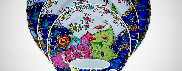 "Mottahedeh porcelain dinnerware in the ""Tobacco Leaf"" pattern"