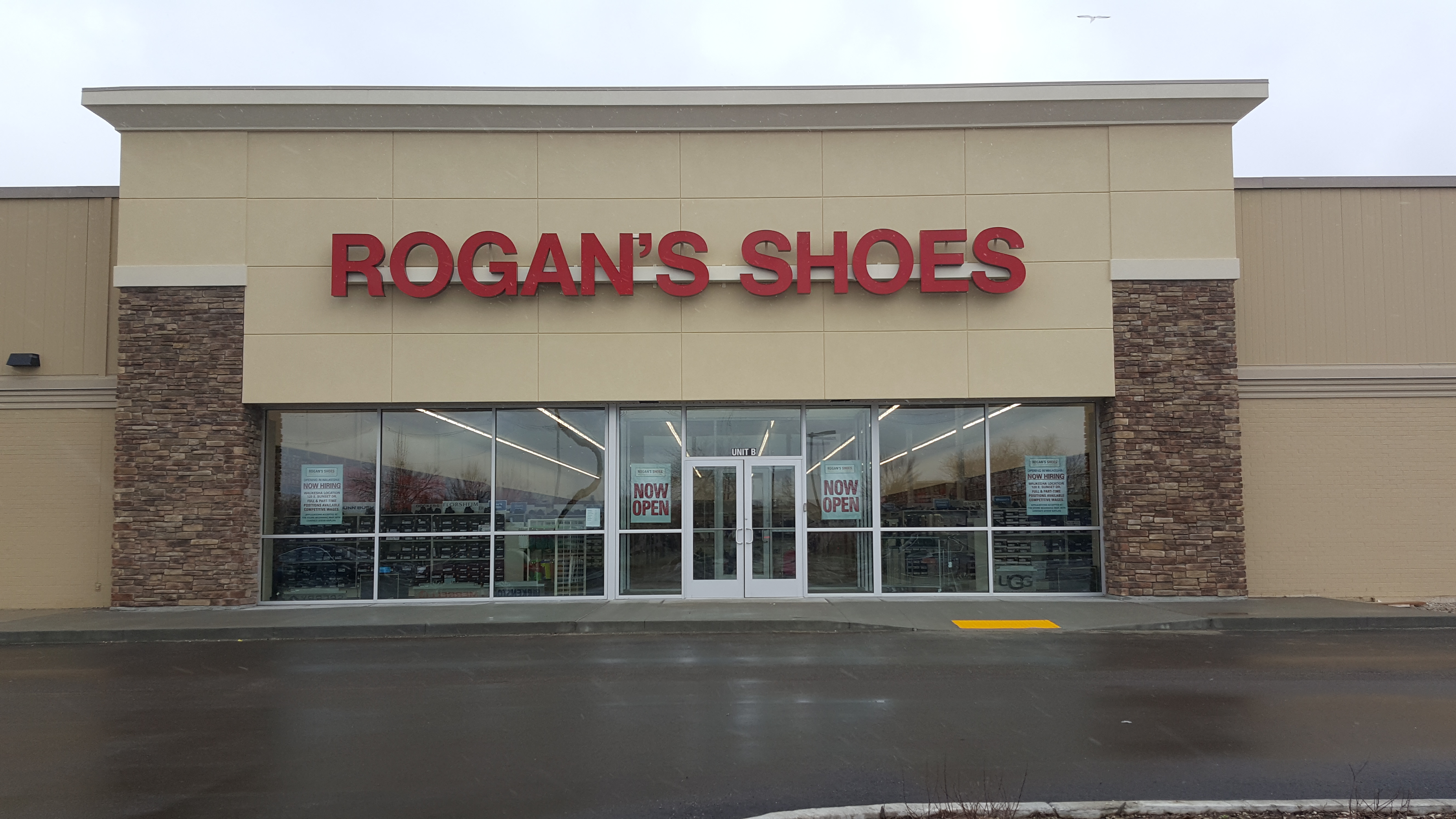 Rogan S Shoes Brookfield Hours