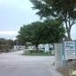 Winward Lakes Mobile Home Park - Tampa, FL