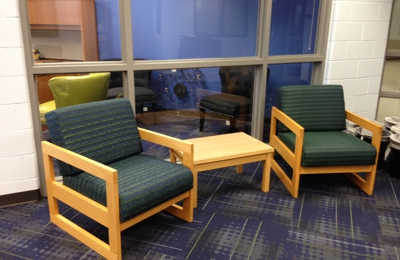 Reupholstery By Roxanne   Lees Summit, MO