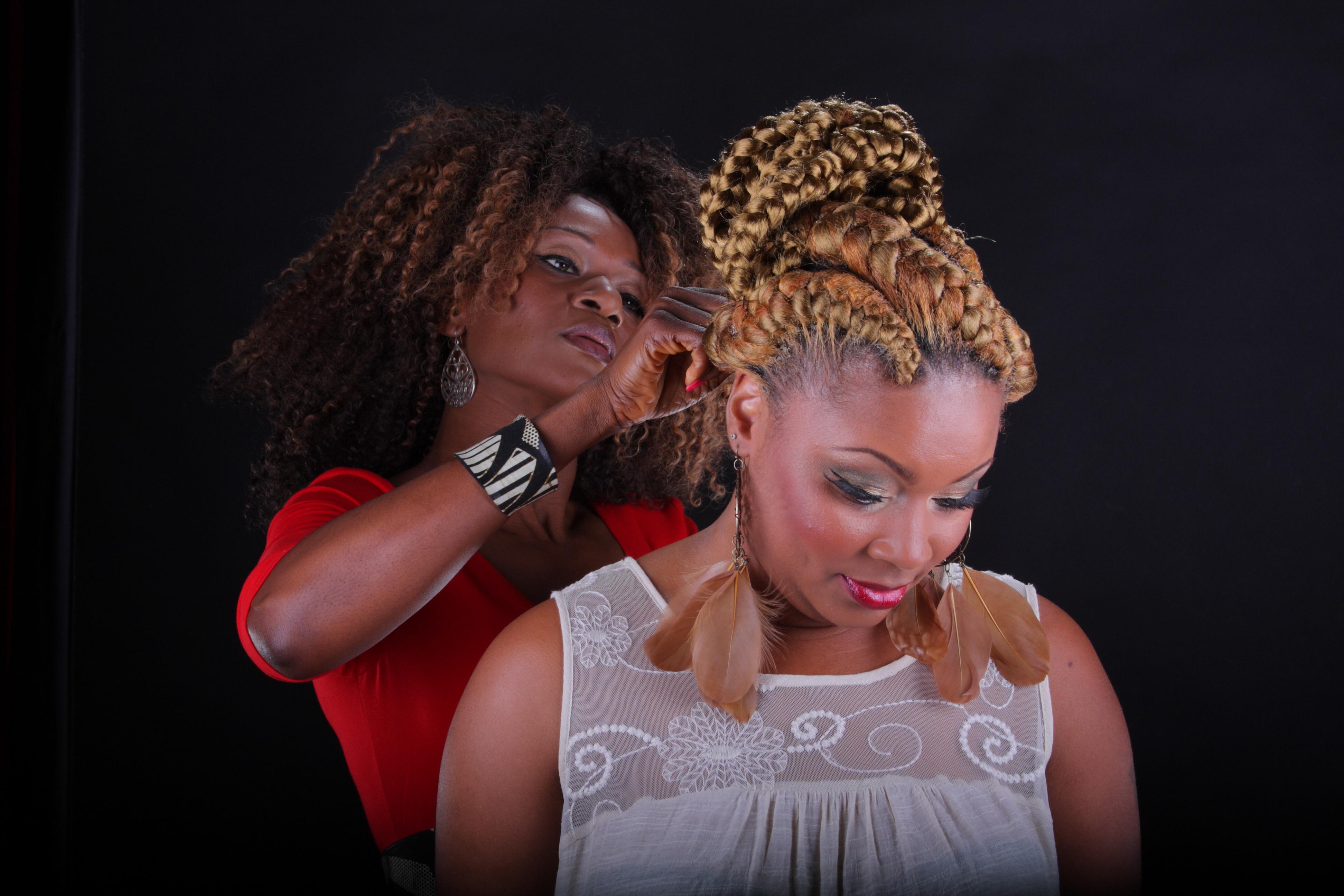 Bignons Africain Hair Braiding Weaving 6932 North Tryon Street