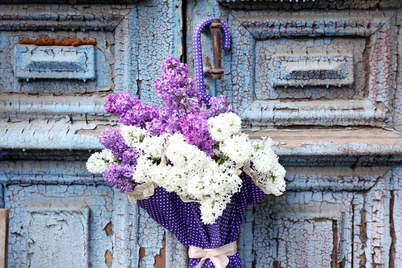 The right arrangement is just one factor to consider when choosing and sending flowers.