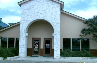 The Palms Pet Resort - Helotes, TX