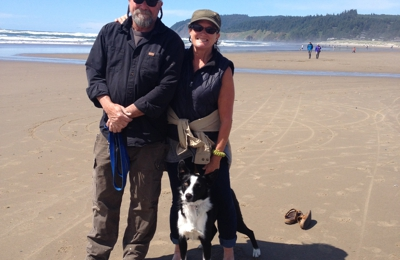 Mai Fiji Home Care - Santa Rosa, CA. Erin and Jamie Dunton with Kermit