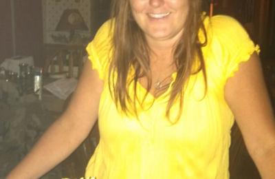 Foxburg Wine Cellars - Foxburg, PA. Pretty pretty lady!!!