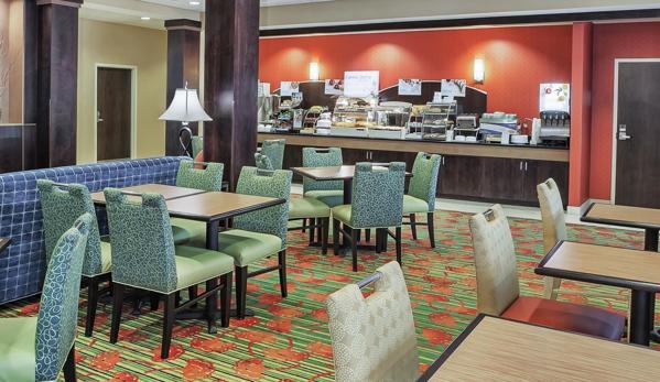 Holiday Inn Express & Suites Dayton South - I-675 - Dayton, OH