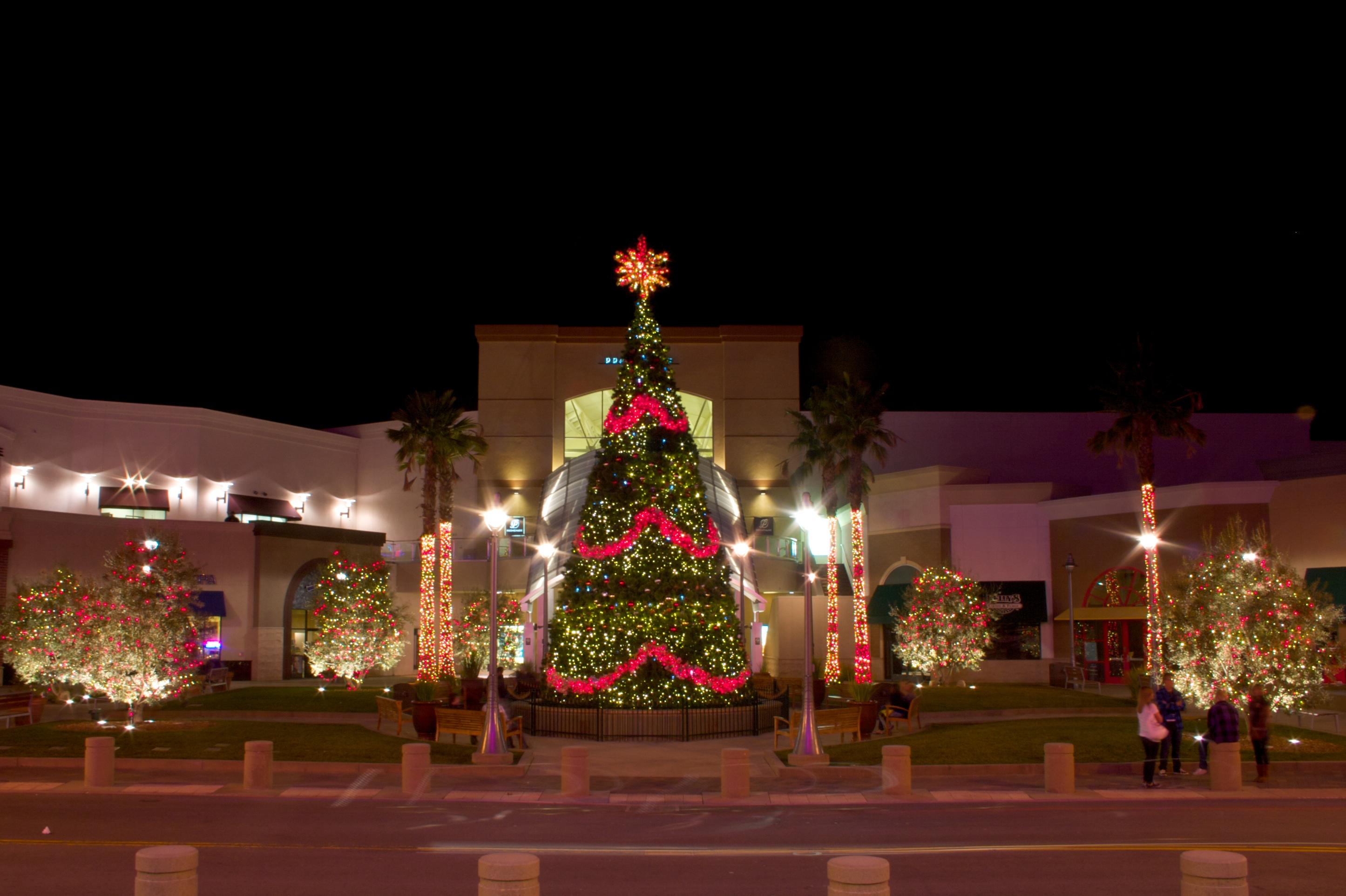 Christmas King Light Install Pros Rancho Cucamonga 10808 Foothill