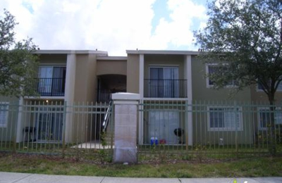 Pembroke Villas - Hollywood, FL