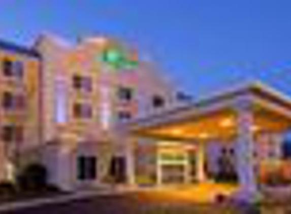 Holiday Inn Express Boston-Milford - Milford, MA