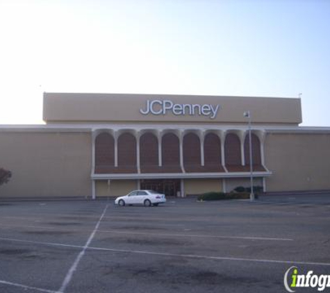 JCPenney - Fresno, CA