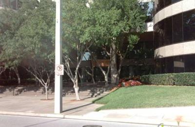 Urban Centre Tobacco & News - Tampa, FL