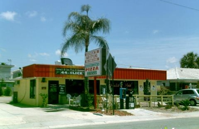 King's Pizza & Grill - Clearwater Beach, FL