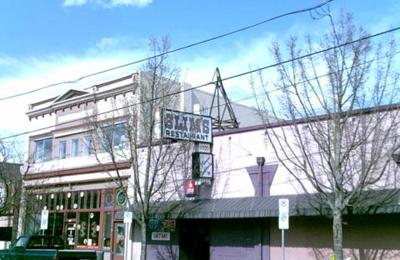 Slim's Cocktail Bar & Rstrnt - Portland, OR