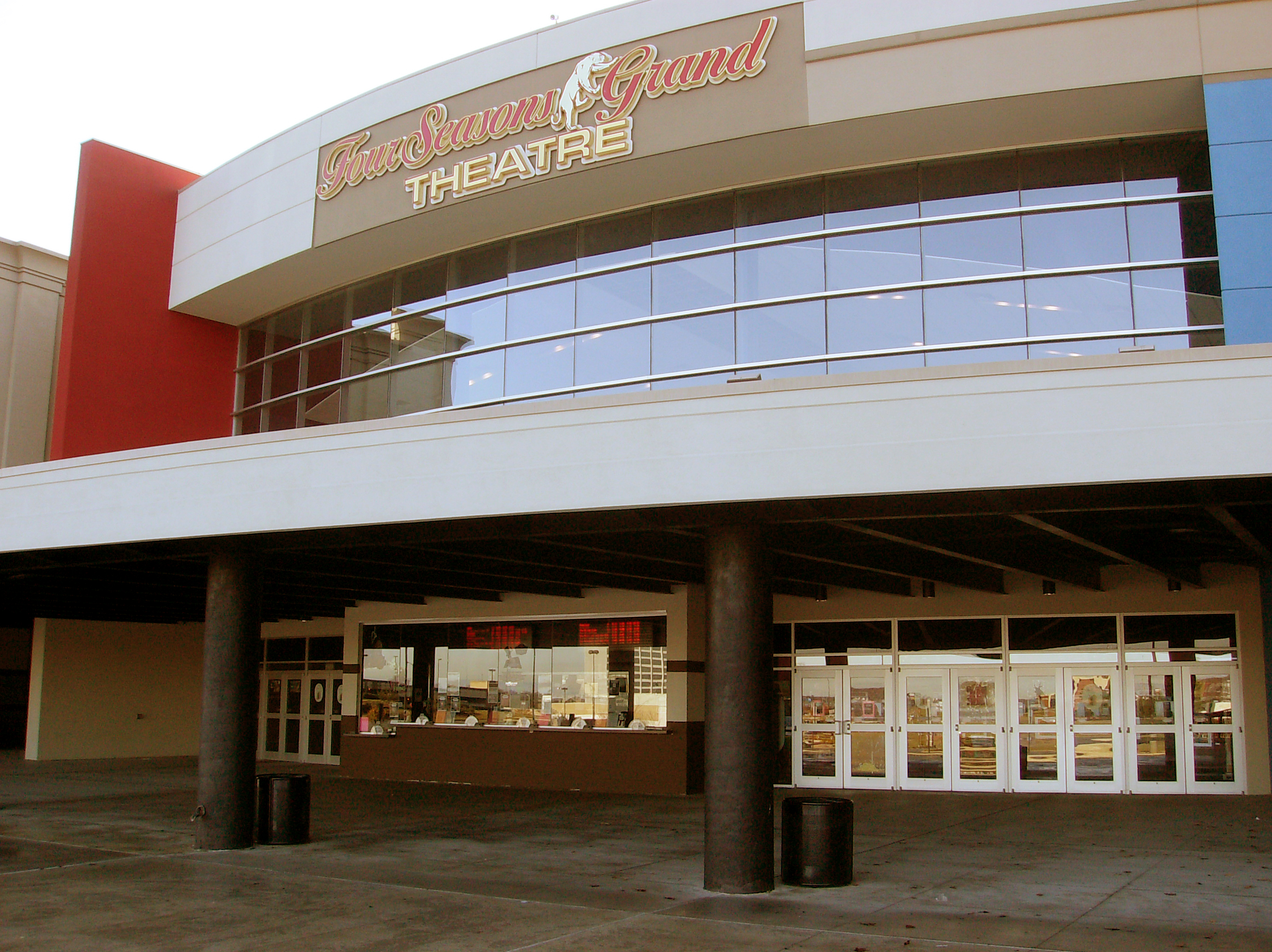 the grand theatre movie tavern four seasons station 2700