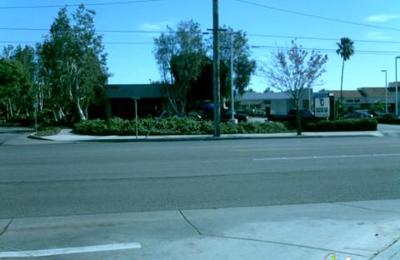Beacon Bay Auto Washes - Santa Ana, CA