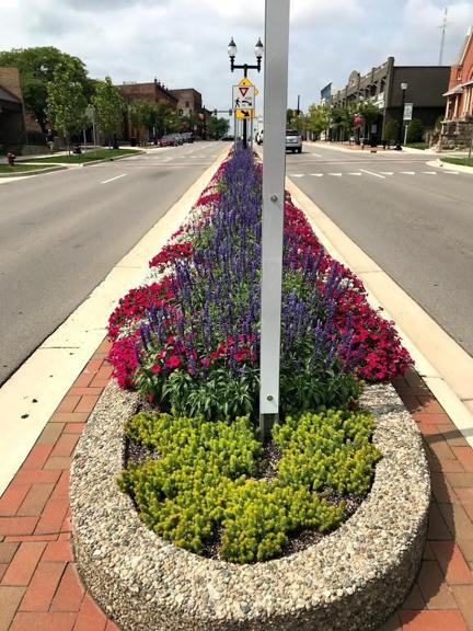 A & H Lawn Service Inc - Saline, MI