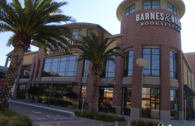 Barnes & Noble Booksellers - Emeryville, CA