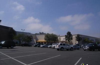 Frederick's of Hollywood - Carlsbad, CA