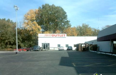 Hunterland Antique Mall - Saint Joseph, MO