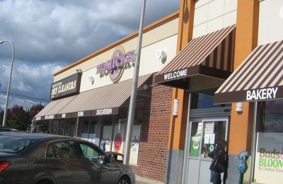 Zomick's Kosher Bakery - Inwood, NY
