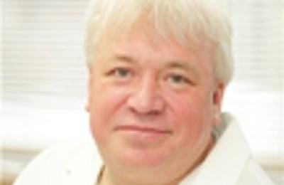 Dr  Vladimir V Onefater, MD 9785 Queens Blvd, Rego Park, NY