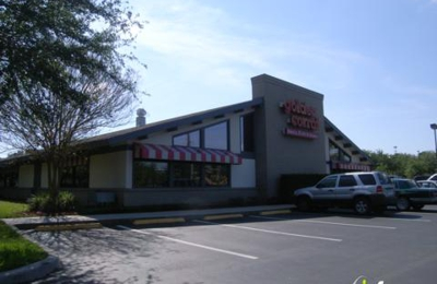 Golden Corral Restaurants 897 W Town