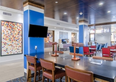 Holiday Inn Express & Suites Atchison - Atchison, KS