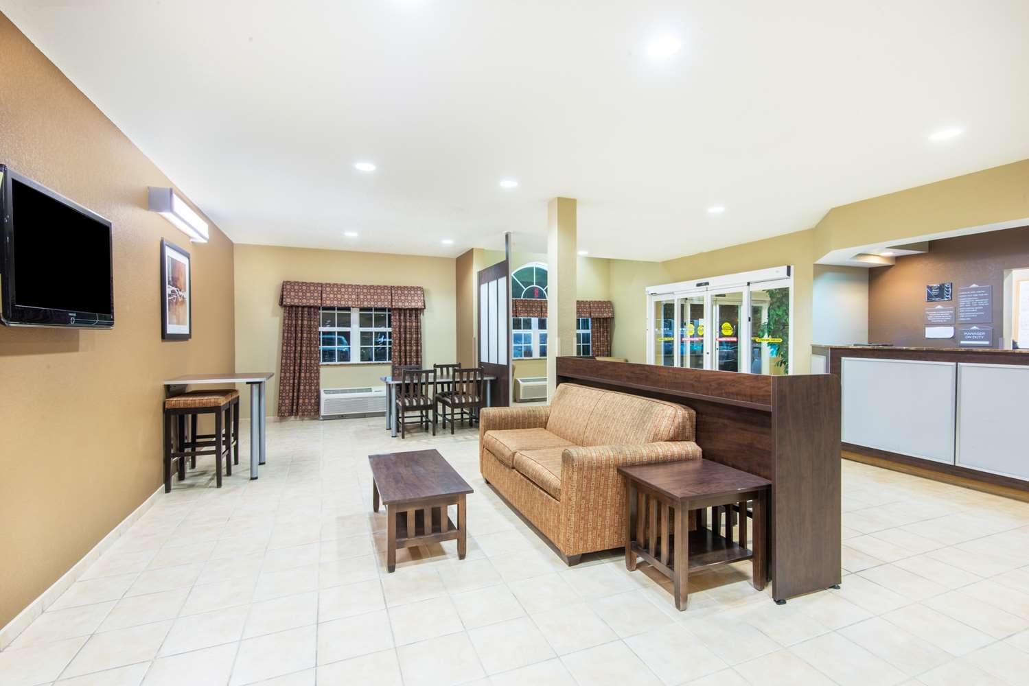Microtel Inn Amp Suites By Wyndham Montgomery 100 Gibbons Dr