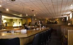 Ovalon Bar & Grill
