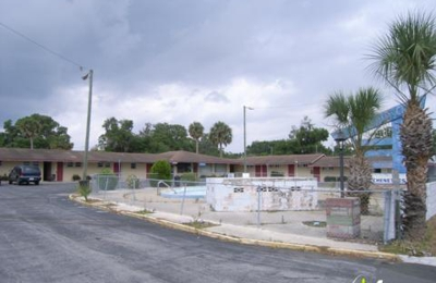 Lake Shore Acres Motel - Eustis, FL