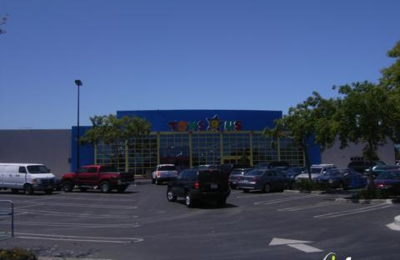Toys R Us - Redwood City, CA
