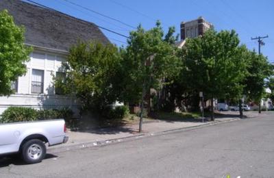 First Trinity Lutheran Church - Oakland, CA