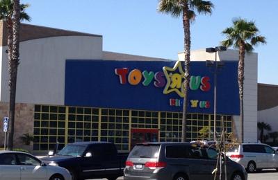 Toys R Us - Ontario, CA